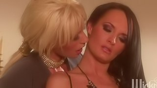Alektra and Tanya are two milf lesbians eating pussy and they are wearing some sexy lingerie. These irresistible babes will cum for quite a lot in this sensual video while they finger each other