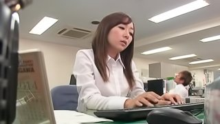 A Japanese office babe gets fucked at her workplace