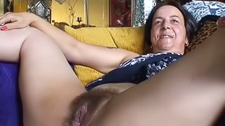 Mature lesbian getting cunt licked and fucked by young chick