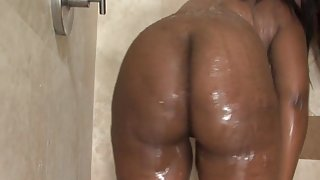Ebony booty fucked after shower