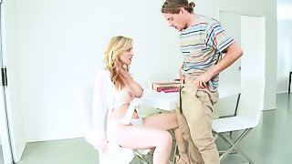 Gorgeous woman Julia gets penetrated