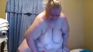 Famous webcam slut is riding her yoga ball dildo like mad