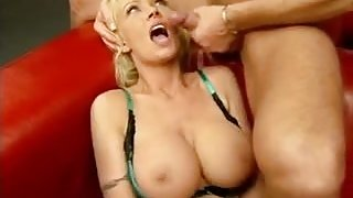 CHARMING German MILF hard drilled in the ASS