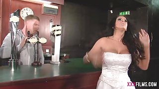 Busty Cuckold Bride shagging the bartender Brooklyn Blue